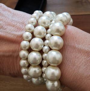 4 faux pearl bracelets
